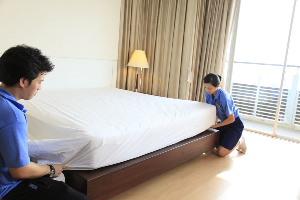 How to Select a Housekeeper to Manage your Daily Chores